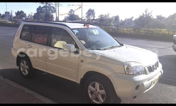 Buy Nissan X-Trail White Car in Addis Ababa in Ethiopia
