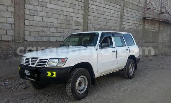 Buy Nissan Patrol White Car in Addis Ababa in Ethiopia