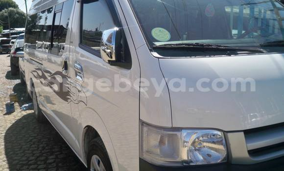 Buy Toyota HiAce White Truck in Addis Ababa in Ethiopia