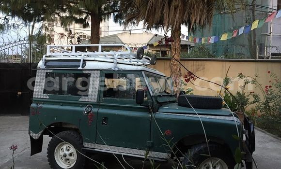 Buy Land Rover Defender Green Car in Addis Ababa in Ethiopia