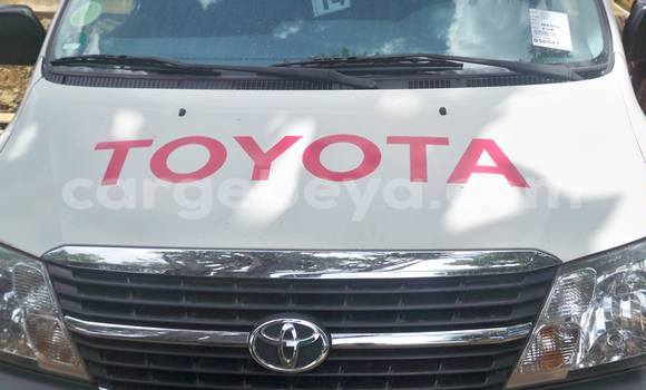 Buy Toyota Hilux White Car in Addis Ababa in Ethiopia